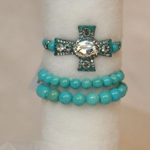 3 Strands of Turquoise Colored Beads & Cross